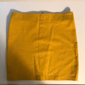 H&M Stretch Mini Skirt size 4 (fits like size 2)
